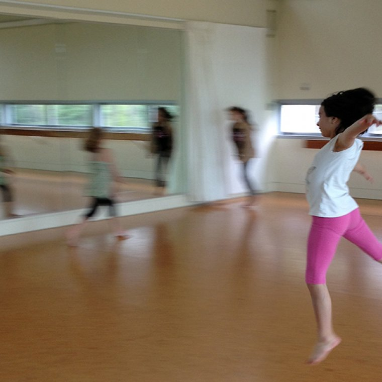 Contemporary Dance 2 8-12 dance class TAPAC